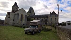 castle jumilhac range rover camper