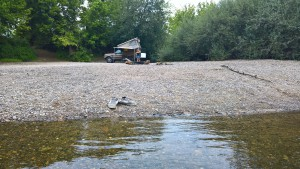 dordogne camping in aoverland camper 4x4