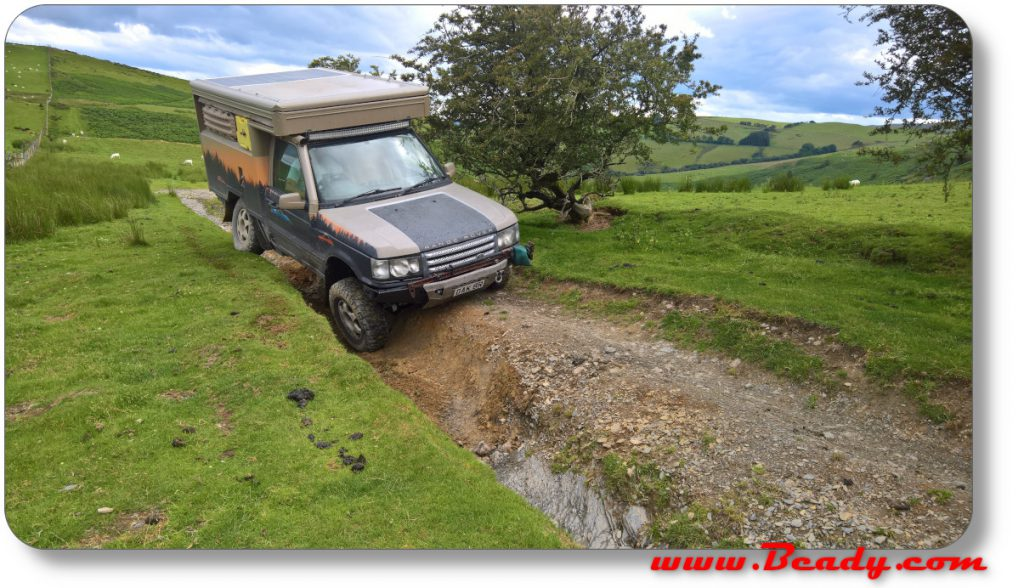 RAnge rover extreme off roading