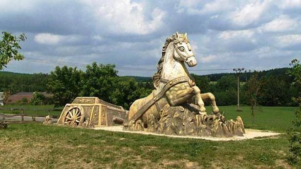 Maelor Equestrian café:  where has the Christmas cheer all gone too?
