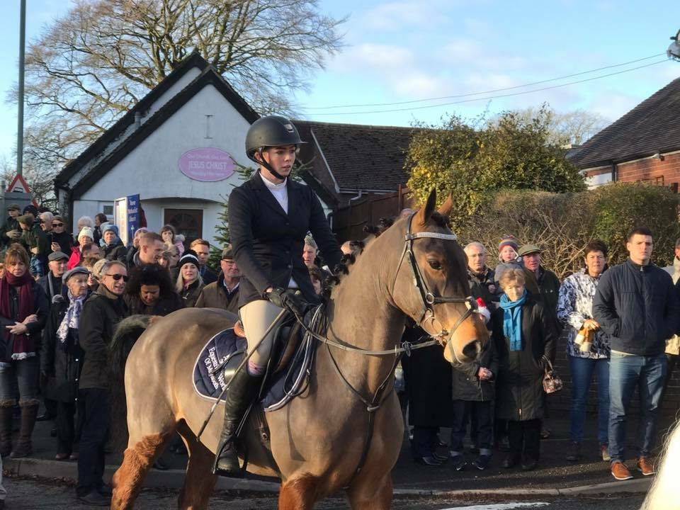 Chloe Jones at the boxing day hunt in woore 2016